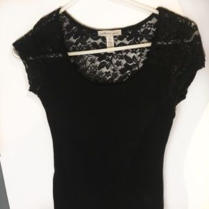 Black t-shirt w lace on shoulders and back